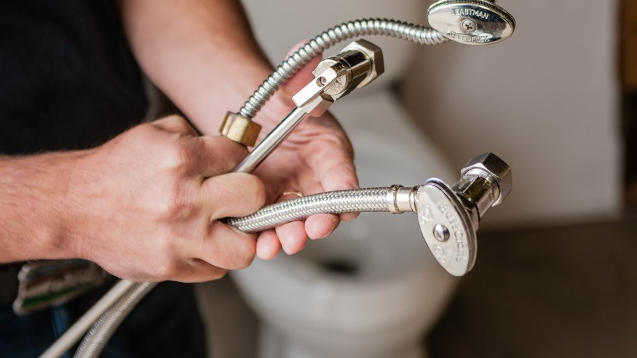 Factors to Consider While Hiring the Best Plumber for Your Plumbing Needs