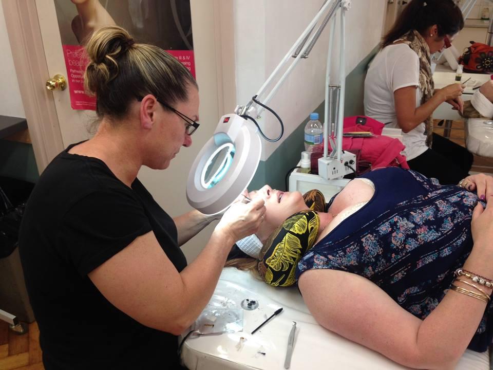 Buying Eyelash Products