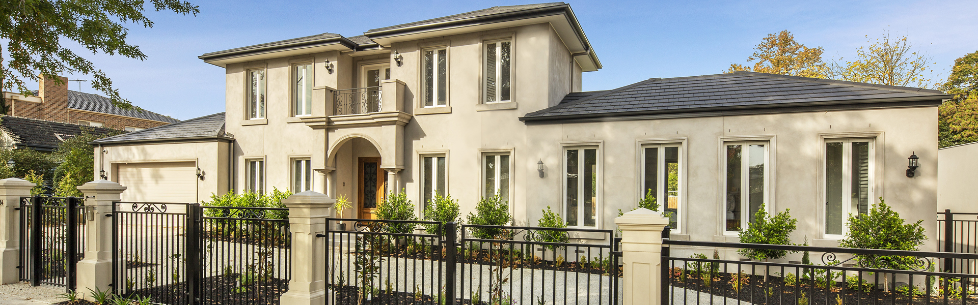 Build a lavish home equipped with all amenities by hiring home builders