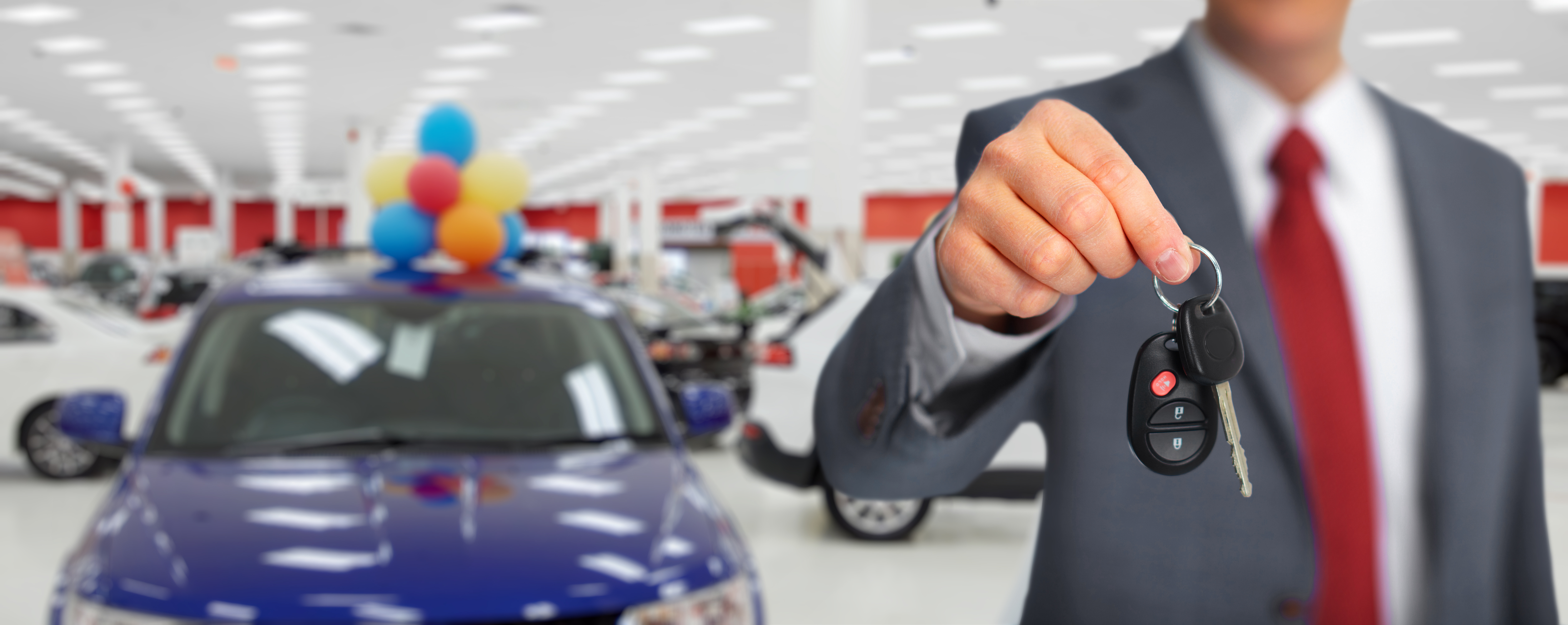 By what method can a car broker help me get a new car?