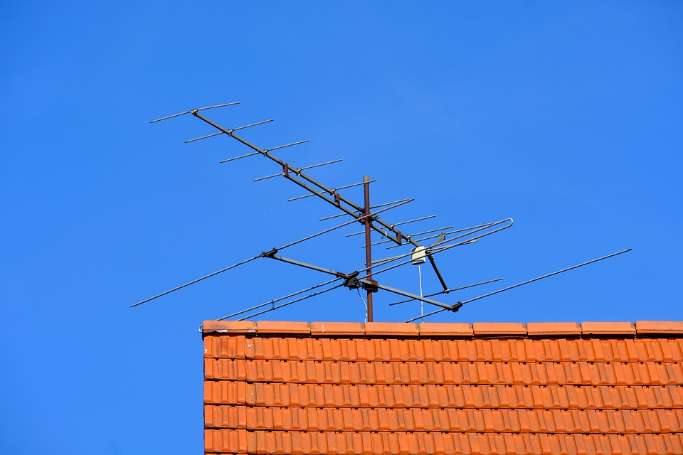 Why You Need Specialists For The Critical Task Of TV Antenna Installment Job?