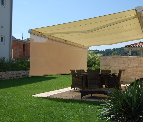 How To Decorate Your House With These Retractable Awnings