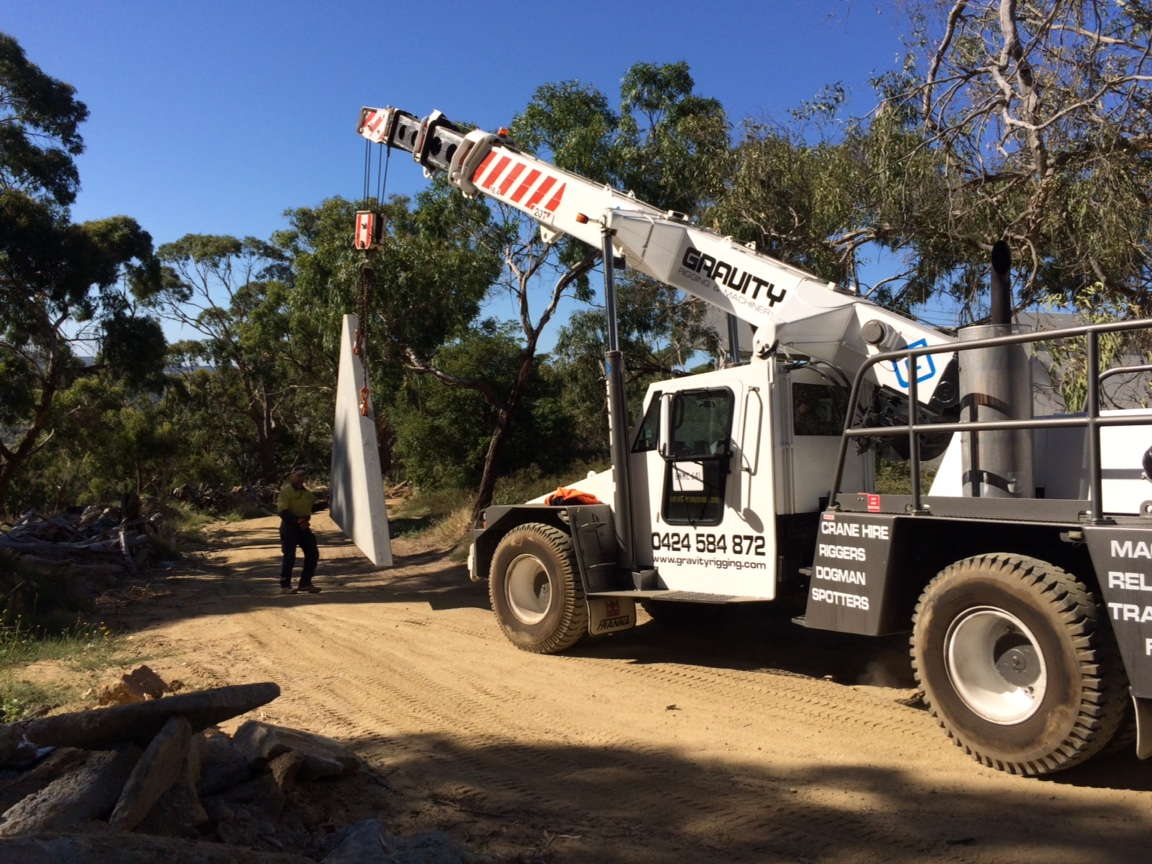 How Can Mobile Cranes Be Your Construction Friend?