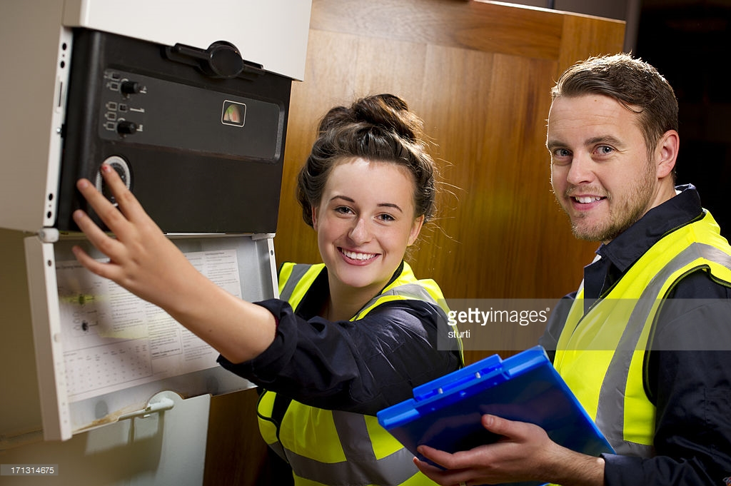4 Vital Tips to Hire the Best Electrician