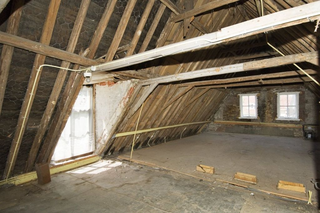 Save money and energy: Advantages of Home Insulation