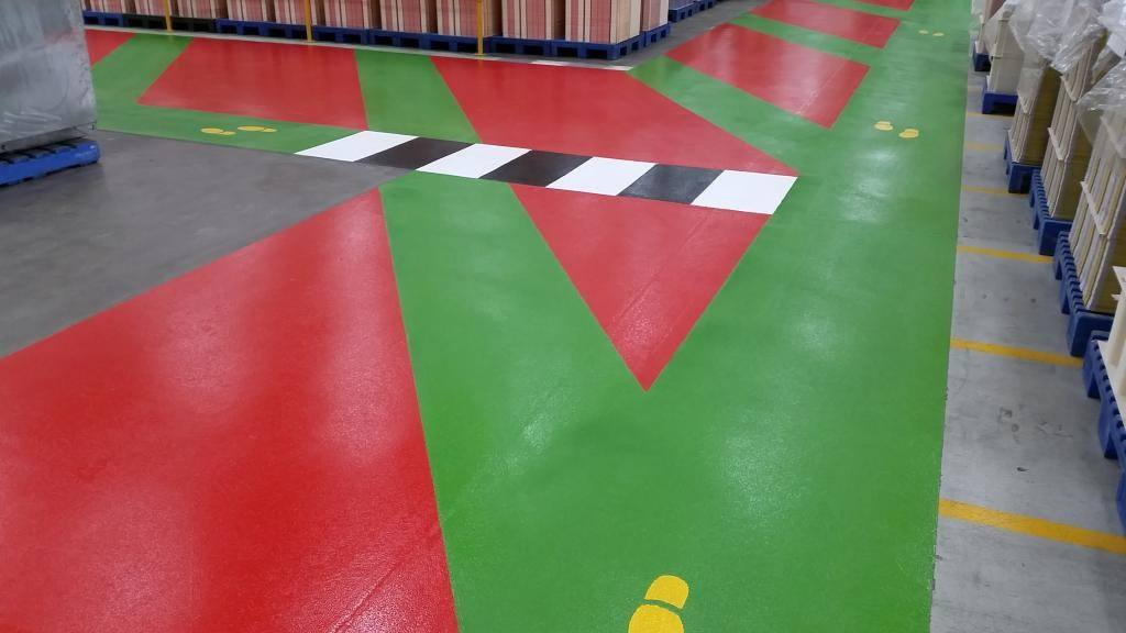How to have customized epoxy floor covering right on board