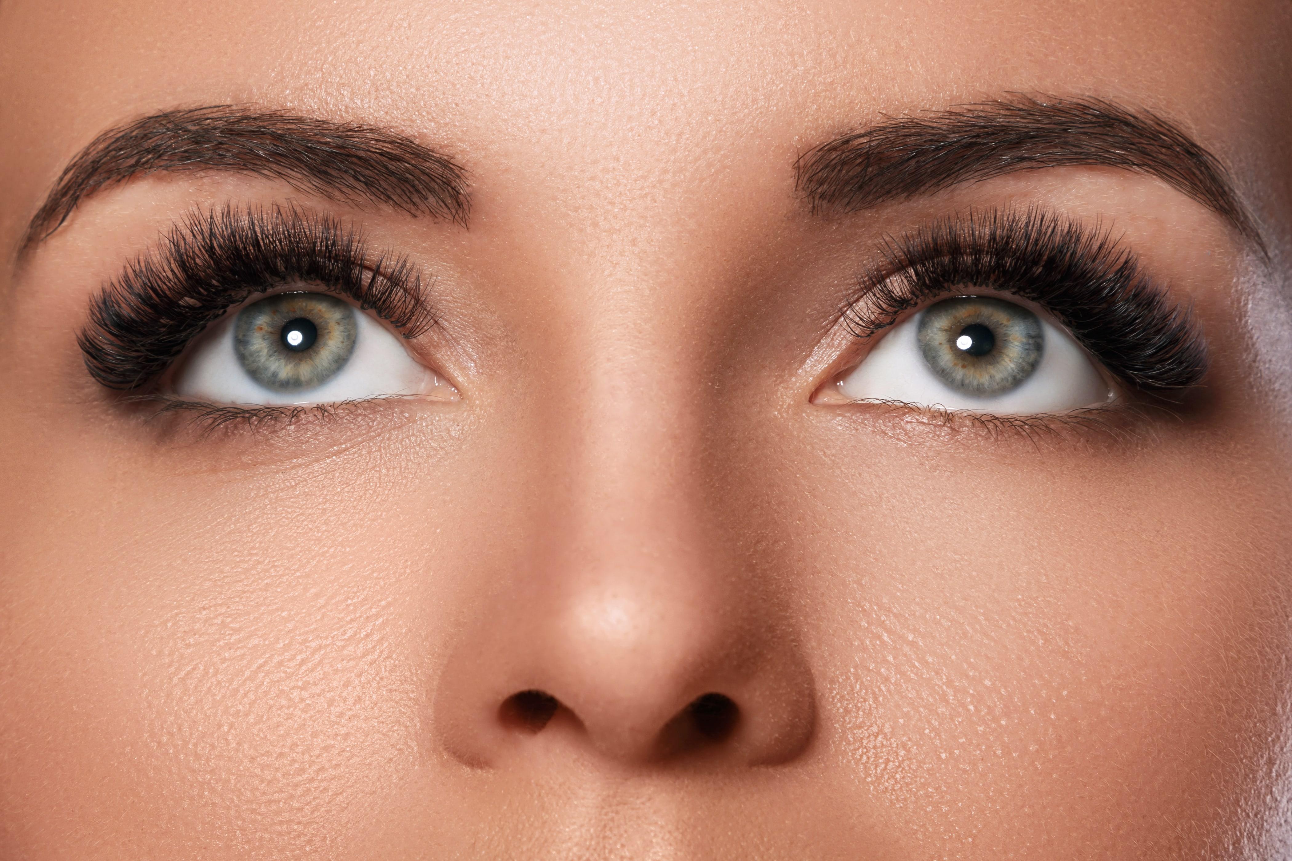 Why do people use eyelash products?