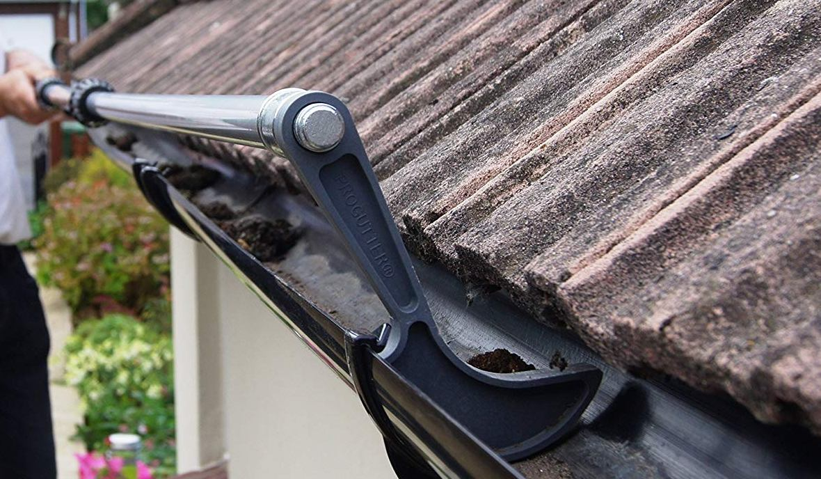 Usual Indicators of Blocked Gutters Not to Be Left Unseen