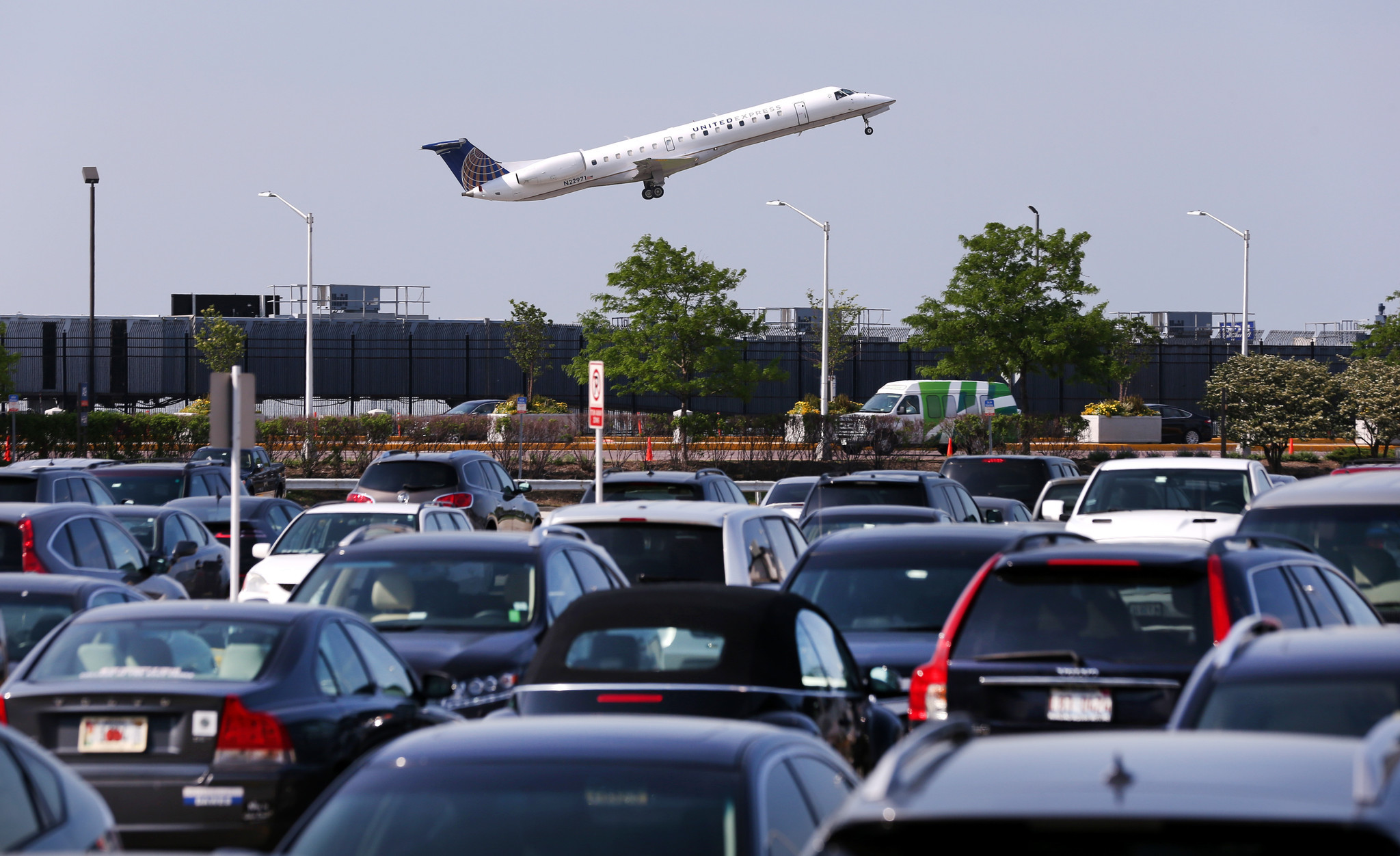 Airport Parking Tips: How To Keep Vehicle Safe?