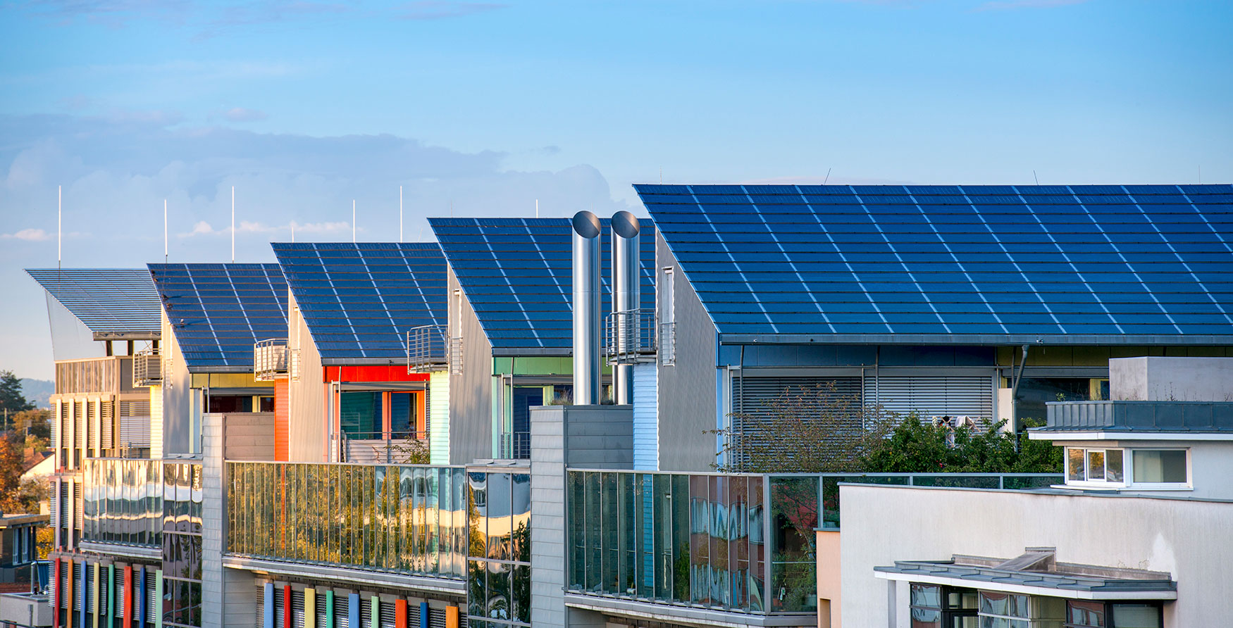 What is the basic difference between residential and commercial solar system?