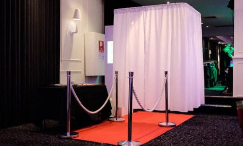 Make Memories with Fun in Wedding through Hiring Wedding Photo Booth in Melbourne