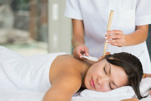 Acupuncture and Chiropractor: Solve the Back Pain