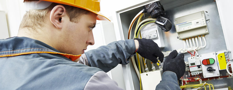Qualified electrician in Bayswater for all over electrical repair requirements