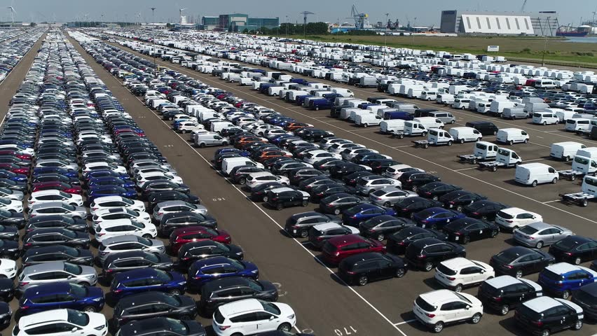 Which qualities are necessary for airport parking in Melbourne?