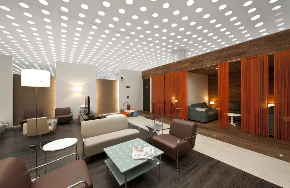 How Lighting Can Affect Productivity In The Workplace?