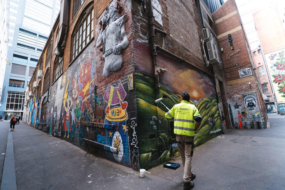 What are the Common Mistakes You May Do While Graffiti Removal Process
