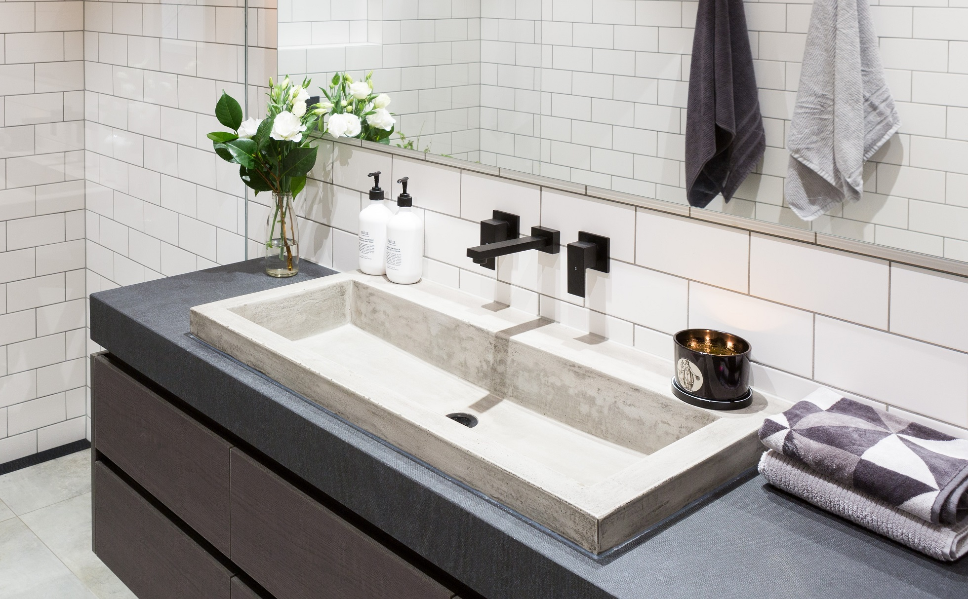 What Type of Tapware Suitable For Your Bathroom? Regular or Matte Black