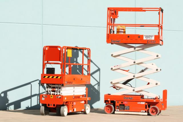 Why Scissor Lift Hire is Beneficial And Useful For The Worker?